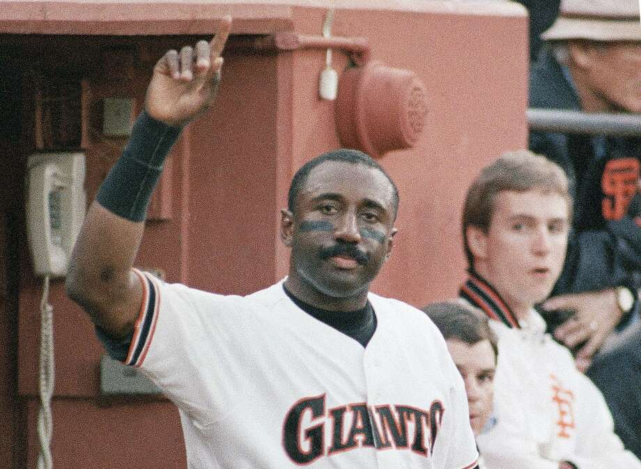 San Francisco Giants Jeffrey Leonard acknowledges the standing ovation at Candlestick Park after smashing a home run in the third inning of NLCS game against the St. Louis Cardinals, Friday, Oct. 9, 1987, San Francisco, Calif. With the solo homer, Leonard became the fourth person to hit home runs in three consecutive National League Championship Series games. (AP Photo/Lenny Ignelzi) Photo: Lenny Ignelzi / ASSOCIATED PRESS / AP1987