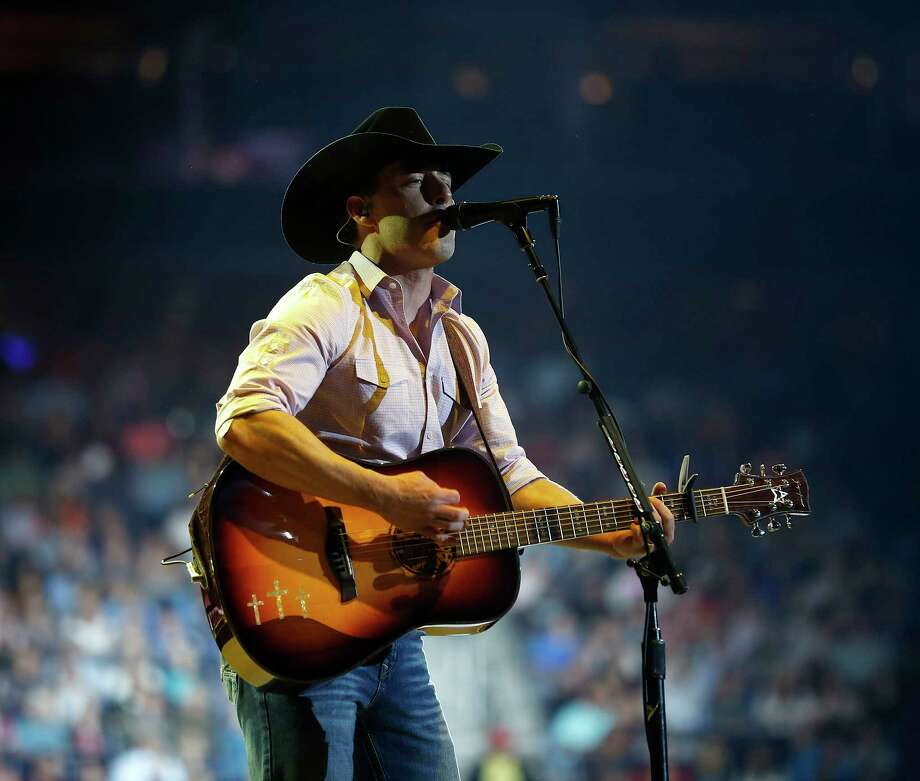 Aaron Watson performs in concert at the Houston Livestock Show and Rodeo, at NRG Park, March 7, 2017, in Houston. Photo: Karen Warren, Houston Chronicle / 2017 Houston Chronicle