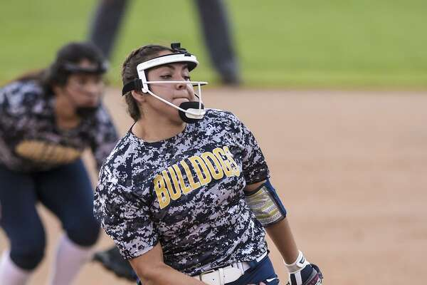 Stacy Alarcon and Alexander came up short at the SAC Tuesday losing 7-1 to San Antonio Southwest.
