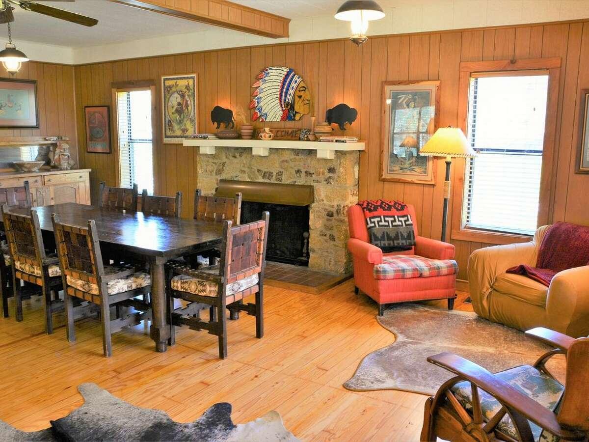 1.Circle H Lodge in Leakey Average rate: $624/night Sleeps: 15 5 bedrooms; 2 bathrooms.