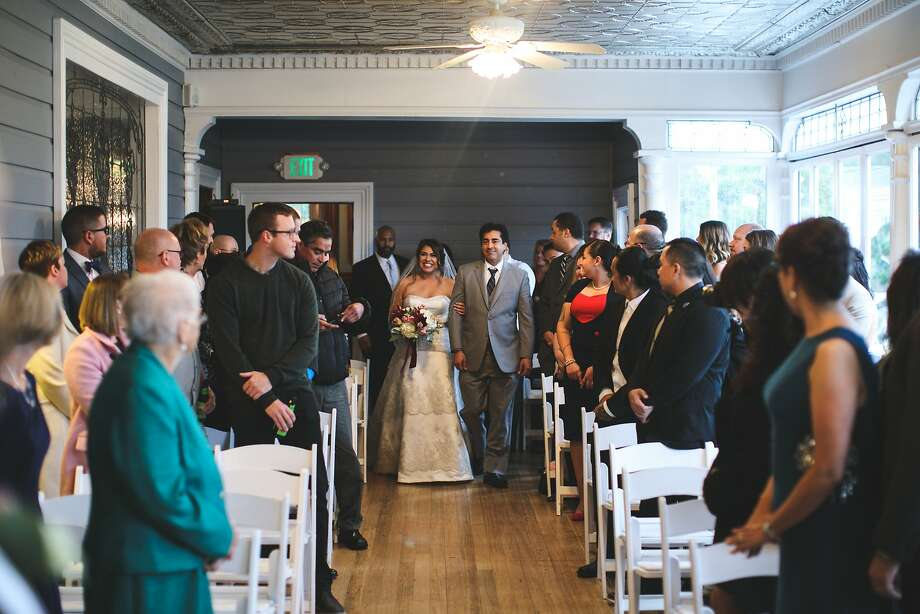 Vanessa and James Britt held their wedding in Placerville at Wedgewood at the Sequoia Mansion.