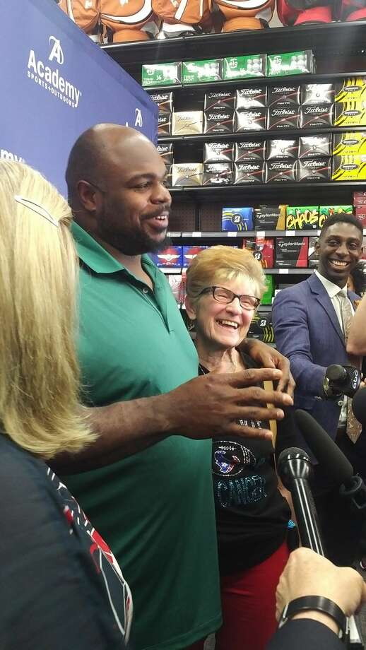Texans nose tackle Vince Wilfork at community appearance at Academy Sports. Photo: Aaron Wilson