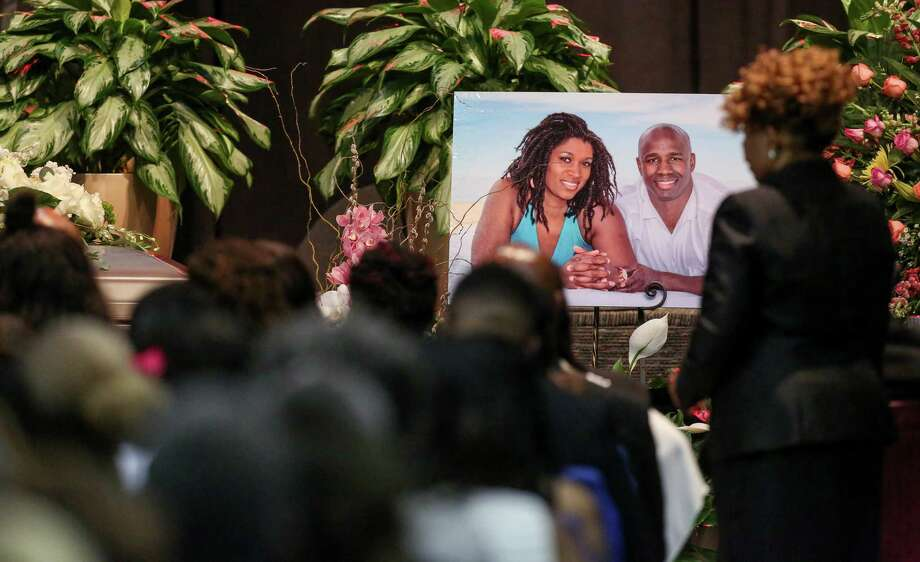 A photo of Dawn Armstrong, left, and her husband Antonio, iwas shown at their funeral. Photo: Jon Shapley, Staff / © 2015  Houston Chronicle