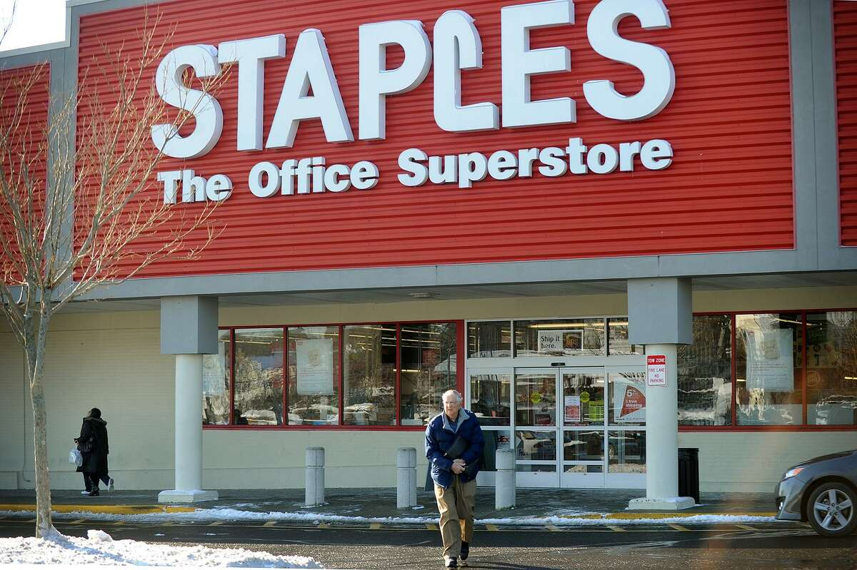 The former Staples store on Main Street in Bridgeport, in December 2013 on the eve of its closure. On March 9, 2017, Staples announced plans to close 70 stores nationally.