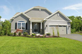 House of the Week: 29 Somerset Dr., Mechanicville |  Realtor:    Maureen Abele of Keller Williams Capital District  |  Discuss:   Talk about this house