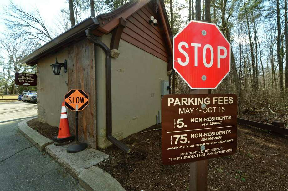 The entrance at Cranbury Park Thursday, March 9, 2017, where fees for non-residents are at &75 dollars and may increase in Norwalk, Conn. The Common Council's Recreation, Parks and Cultural Affairs Committee is likely advances proposed fees schedule for fiscal year 2017-18 after shifting some cost increases from residents to non-residents. Photo: Erik Trautmann, Hearst Connecticut Media / Norwalk Hour