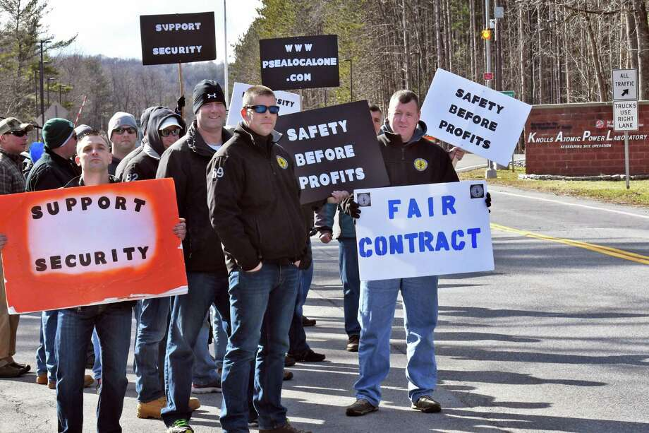 Unionized civilian security guards at the Knolls Atomic Power Laboratory, a nuclear training facility for the U.S. Navy, picket over a labor dispute outside the facility Thursday March 9, 2017 in Milton, NY.  (John Carl D'Annibale / Times Union) Photo: John Carl D'Annibale / 20039926A