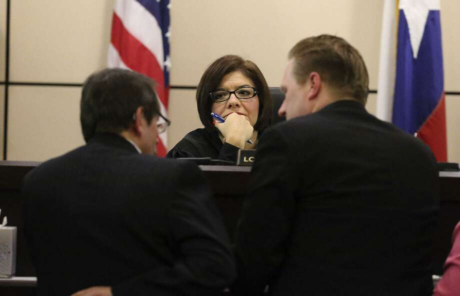 """State District Judge Lori Valenzuela, pictured in 2016, voluntarily recused herself from a case that produced a dispute between defense lawyers and Bexar County District Attorney Nicholas """"Nico"""" LaHood. Photo: John Davenport /San Antonio Express-News / ©San Antonio Express-News/John Davenport"""