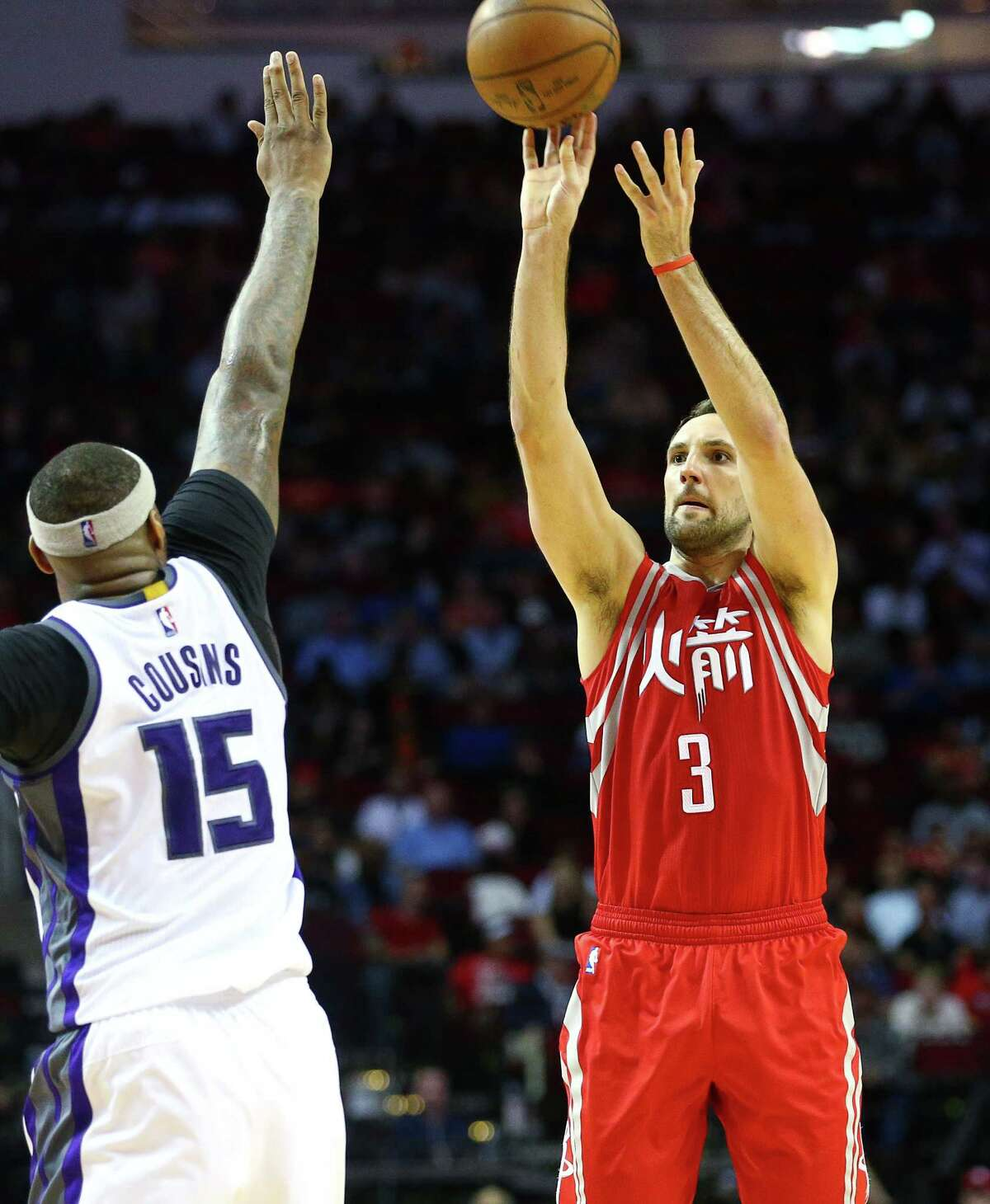 Forward Ryan Anderson, right, and the Rockets occasionally put up a midrange jumper, but coach Mike D'Antoni's offense dictates 3-pointers and layups are the preferred ways to riddle defenses. Midrange jumpers are not a lost art for the team, just a low priority for D'Antoni.