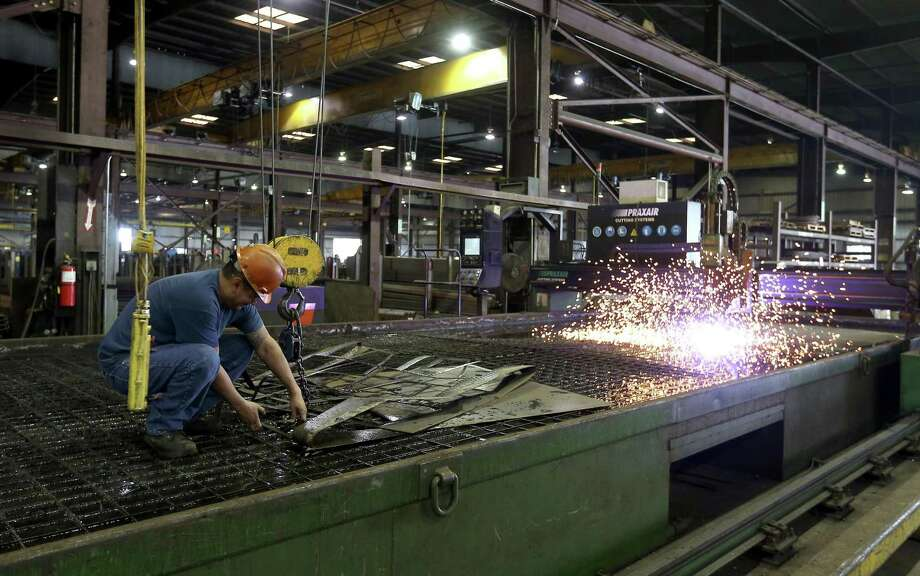 The Dallas Fed reported Monday that general business activity in Texas manufacturing in February rose to levels not seen in 12 years. Photo: William Luther /San Antonio Express-News / © 2017 San Antonio Express-News