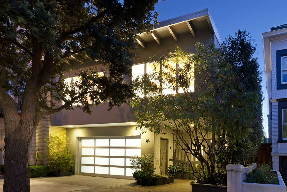 125 Presidio Ave. is a six-bedroom midcentury in Presidio Heights available for $6.75 million. Photo: Steph Dewey / Reflex Imaging