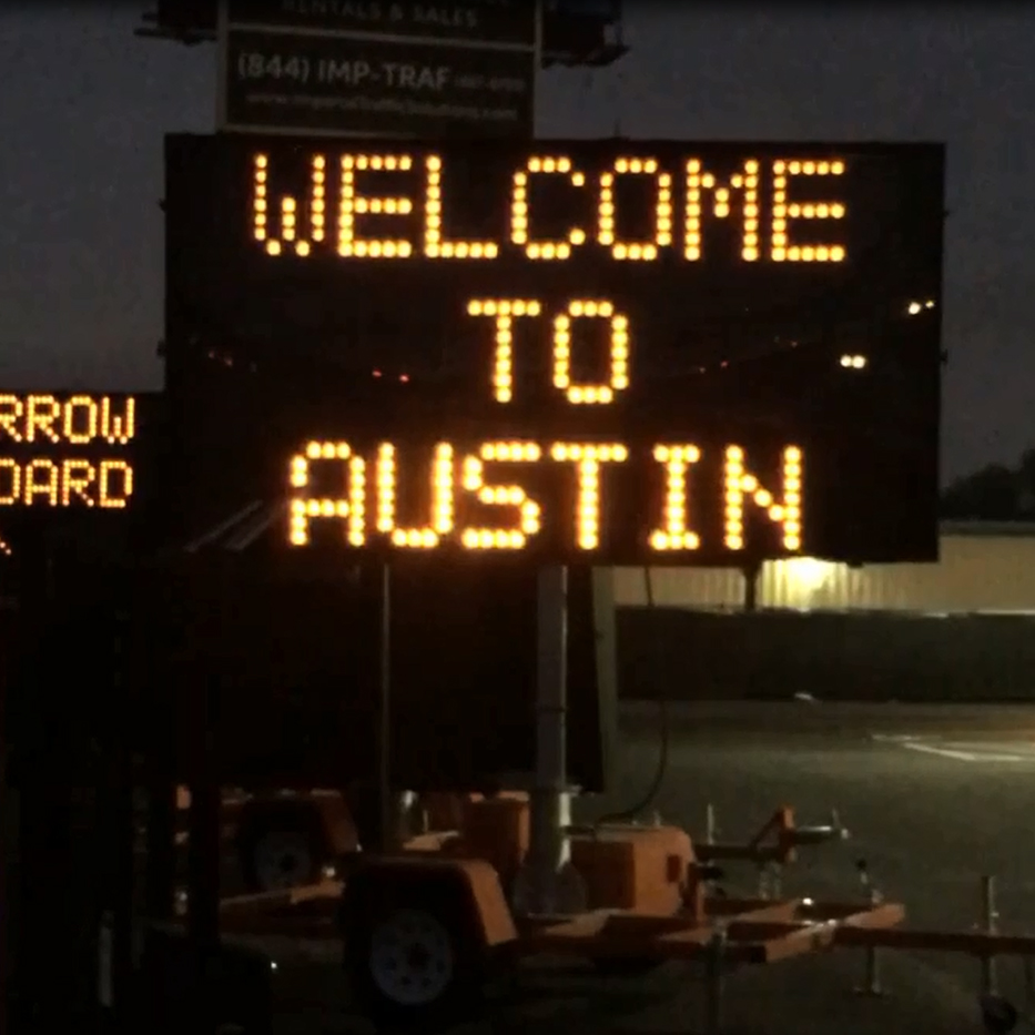 Hilarious Sign Mocking Austin's Confusing Roads Welcomes