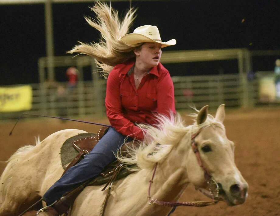 A barrel racer and her mount compete at Tejas Rodeo in Bulverde. A reader lauds the rodeo as a first-class event. Photo: Billy Calzada /San Antonio Express-News / San Antonio Express-News