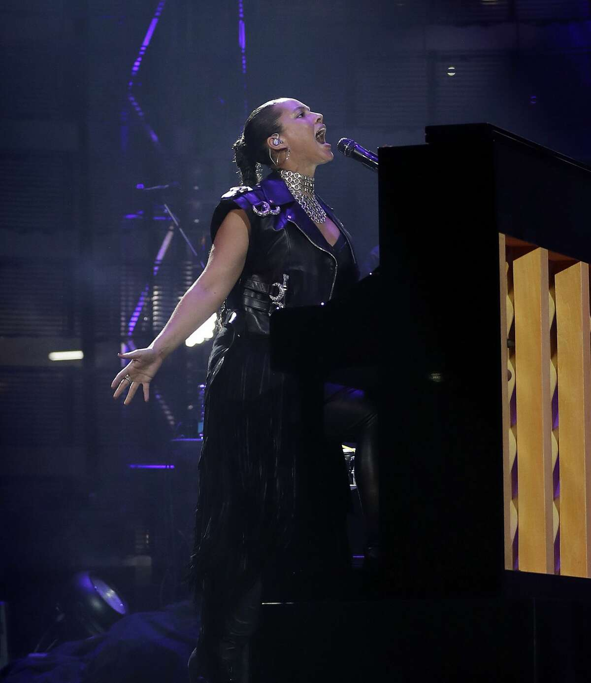 Alicia Keys performs at the Houston Livestock Show and Rodeo, at NRG Park, Friday, March 10, 2017, in Houston. ( Karen Warren / Houston Chronicle )