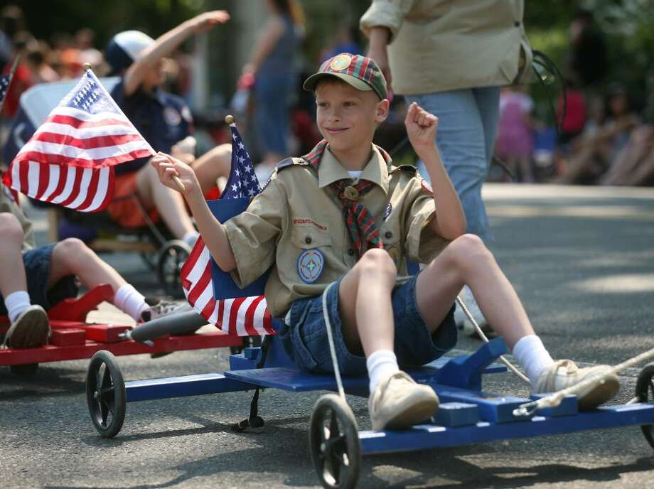 Stratford Memorial Day Parade on Monday, May 31, 2010. Photo: Brian A. Pounds / Connecticut Post