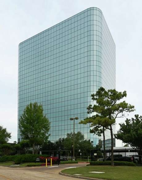 Northborough Tower is a Greenspoint-area office  building at 100 Glenborough. Photo: Transwestern