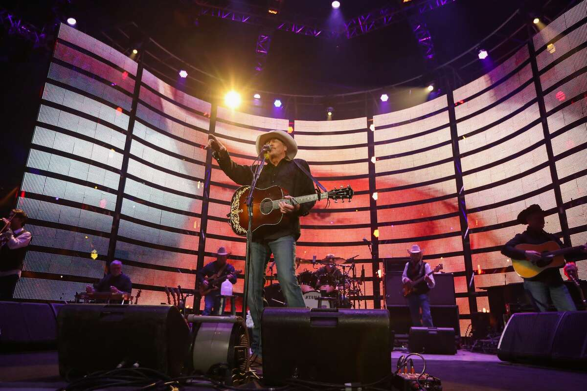 Alan Jackson performs after the RodeoHouston Super Series II, Round 2 Saturday, March 11, 2017, in Houston. ( Steve Gonzales / Houston Chronicle )
