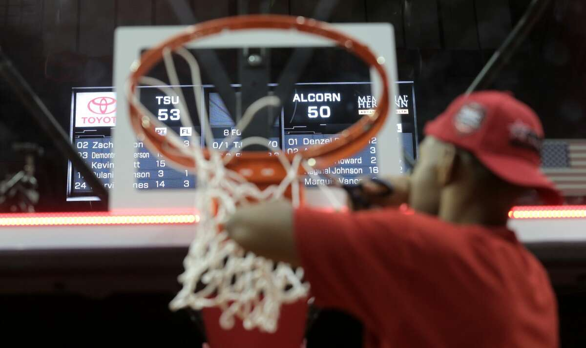 Texas Southern Tigers cut the net after winning the SWAC Championship game on Saturday, March 11, 2017, in Houston. ( Elizabeth Conley / Houston Chronicle )