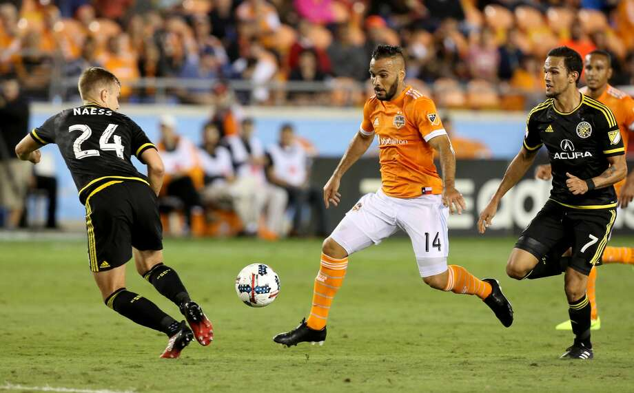 Dynamo midfielder Alex has been fined by MLS after the league's disciplinary committee found him guilty of simulation in Saturday's match against Columbus Crew SC. Photo: Yi-Chin Lee/Houston Chronicle