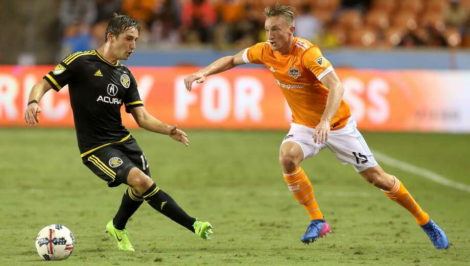 Houston Dynamo defender Dylan Remick (15) passes the ball to teammates during the first half of the MLS soccer game against the Columbus Crew at BBVA Compass Stadium Saturday, March 11, 2017, in Houston. The Dynamos defeated the Crew 3-1. ( Yi-Chin Lee / Houston Chronicle ) Photo: Yi-Chin Lee/Houston Chronicle