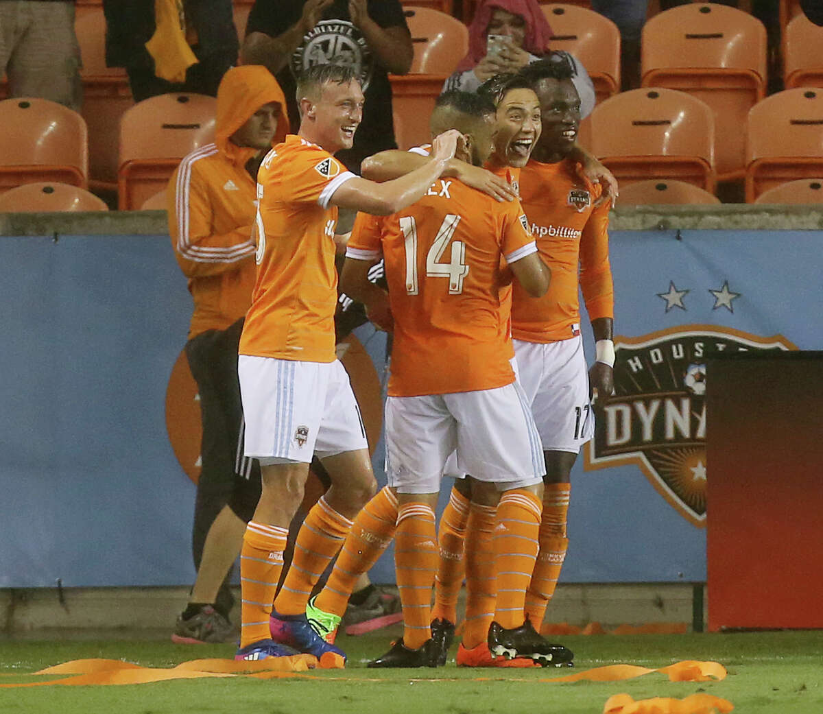 Houston Dynamo forward Erick Torres (9) and teammates celebrate his score during the second half of the MLS soccer game against Columbus Crew SC at BBVA Compass Stadium Saturday, March 11, 2017, in Houston. The Dynamo defeated Columbus, 3-1. ( Yi-Chin Lee / Houston Chronicle )