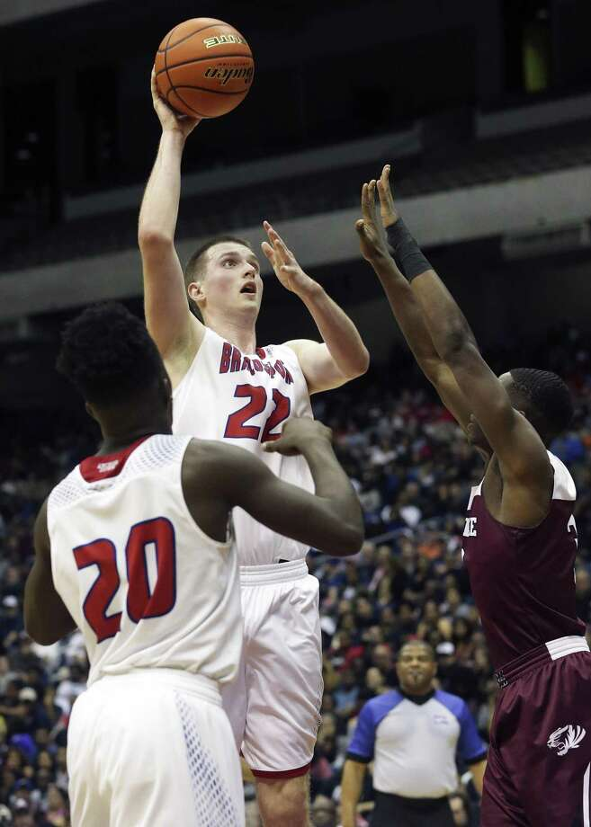 Hunter Quick puts up a jumper in the lane in the second half as his Brazosport Exporters fight to stay in the game against Silsbee in the state championship basketball game for class 4A boys at the Alamodome on March 11, 2017. Photo: Tom Reel, Staff / San Antonio Express-News / 2017 SAN ANTONIO EXPRESS-NEWS