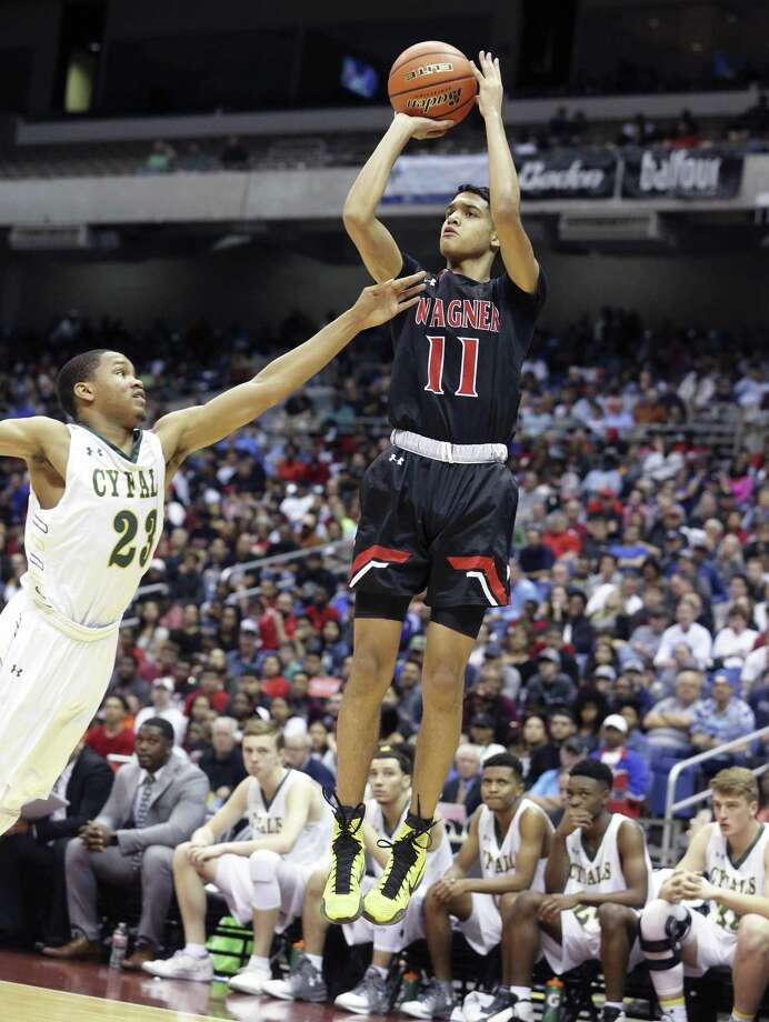 Wagner's DaRaun Clark averaged 16.2 points per game as the Thunderbirds went 6-0 and won the South San tournament for the second year in a row. He was named the Player of the Week by the San Antonio Express-News. Photo: Tom Reel /San Antonio Express-News / 2017 SAN ANTONIO EXPRESS-NEWS