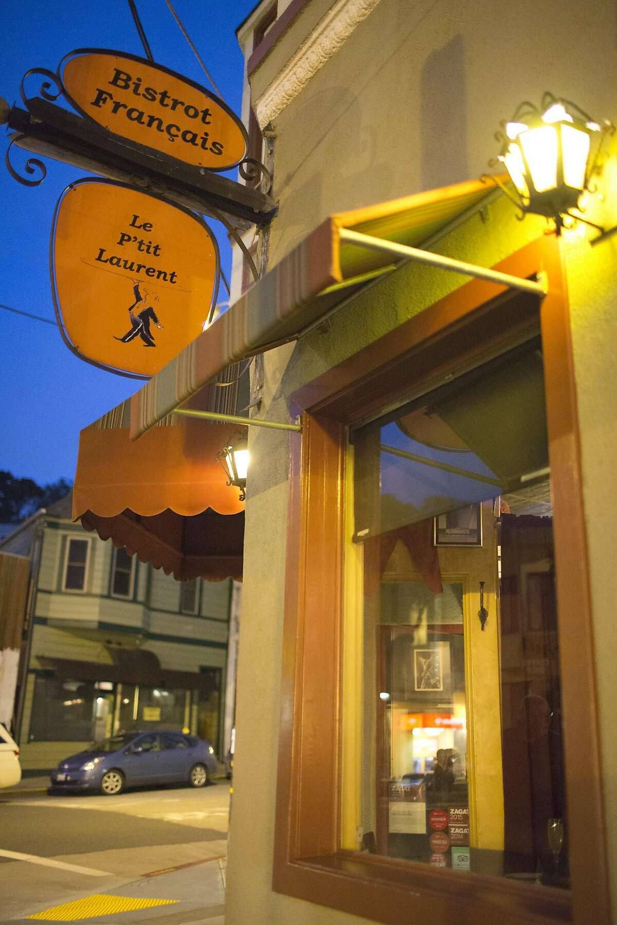 Le P'tit Laurent in the Glen Park neighborhood of San Francisco on Saturday March 11th, 2017.
