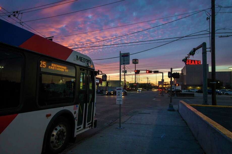 Bus stop on the corner of Wheeler Avenue and San Jacinto Street. Photo: Marie D. De Jesus, Houston Chronicle / © 2017 Houston Chronicle