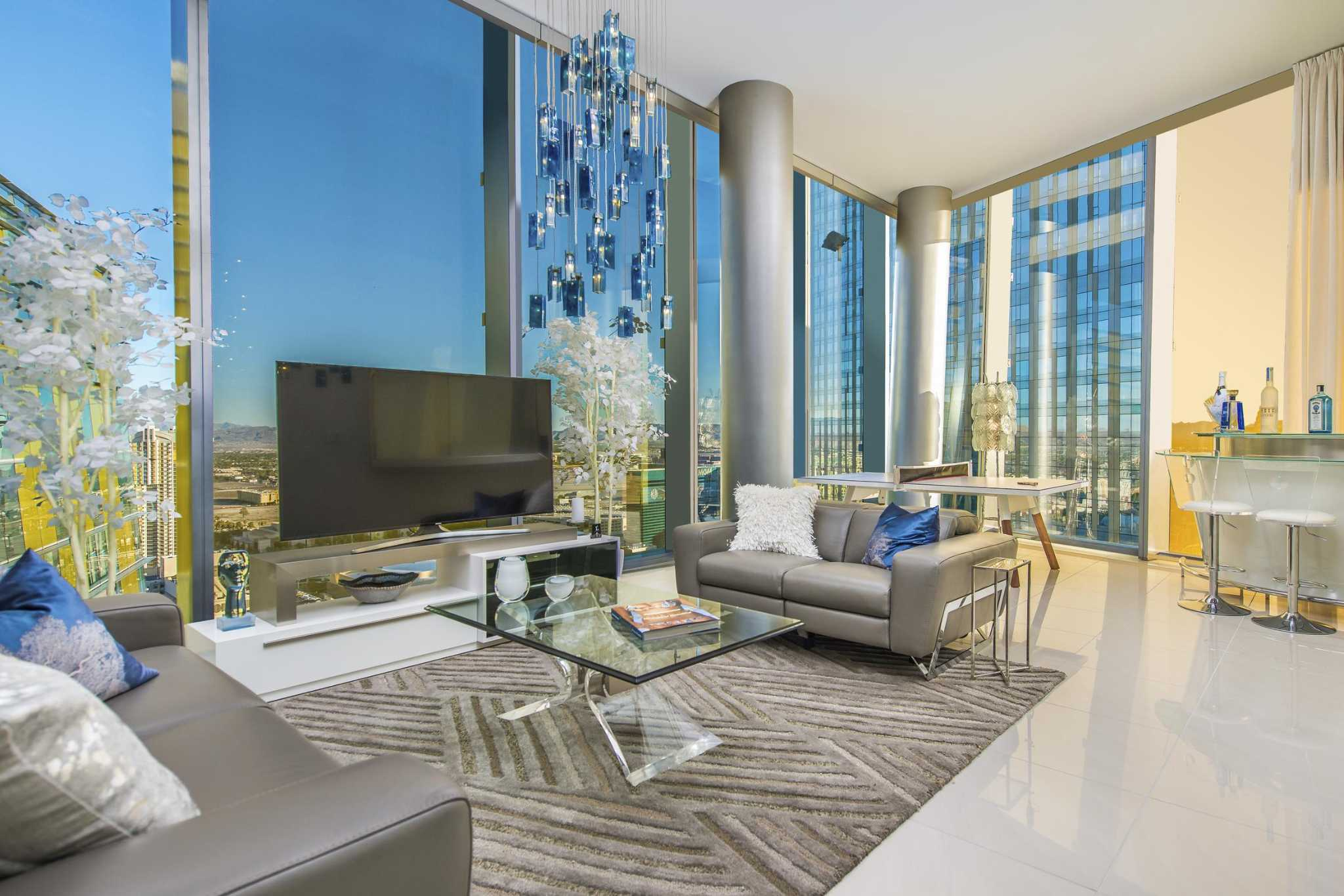 Getaway: Floor-to-ceiling luxury awaits in 36th floor penthouse ...