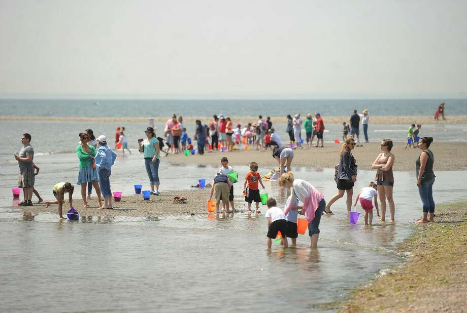 Summer Crowds At Silver Sands State Park In Ord Photo Brian A Pounds