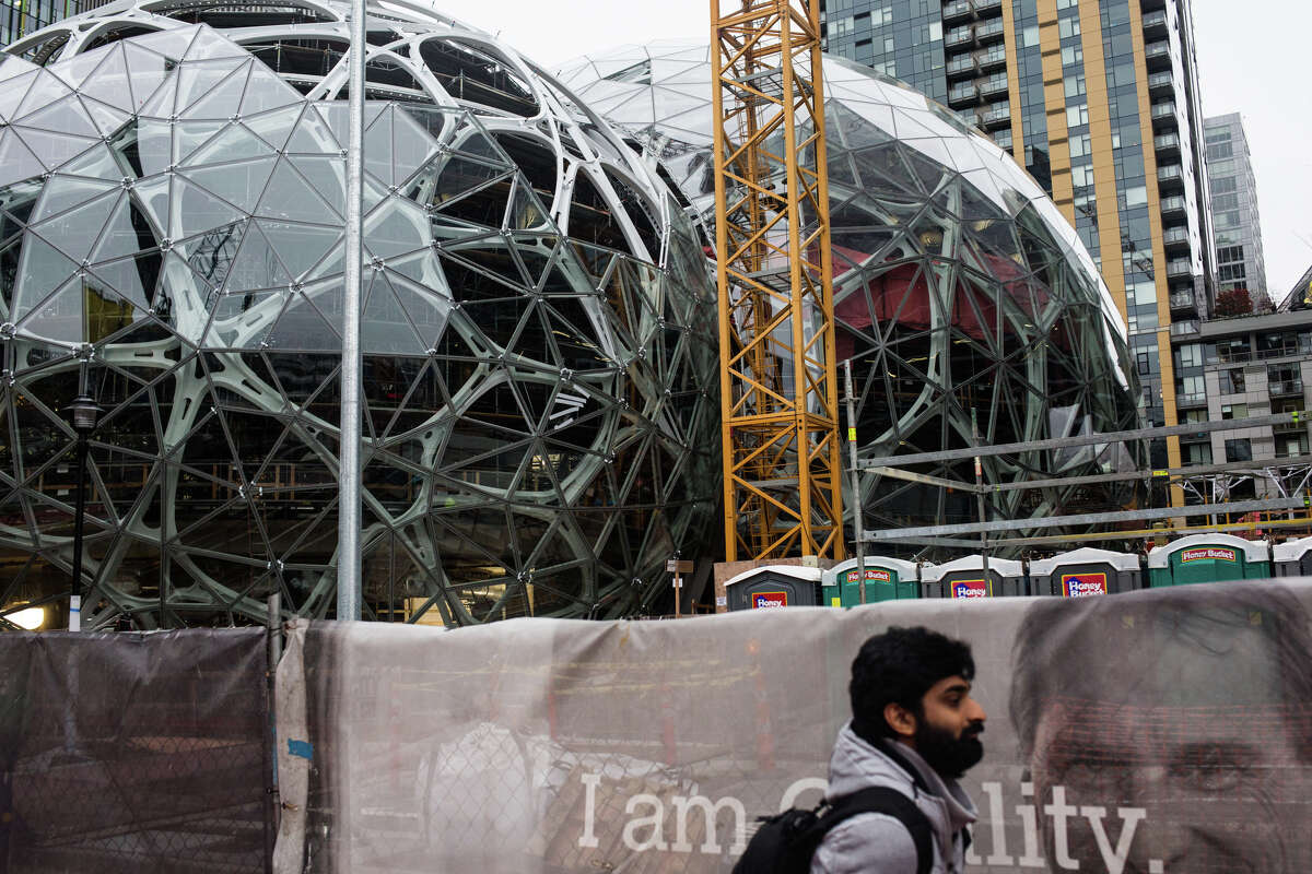 Downtown Seattle is growing like a weed in our lovely rain. Here's a look at private projects currently underway that are thought to cost more than $100 million.
