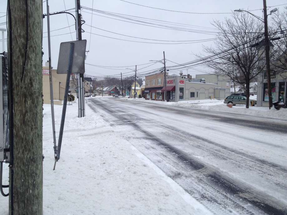 Hope Street in Stamford during Tuesday morning's snow storm. Photo: John Nickerson