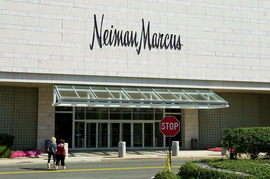 Shoppers head toward the entrance of a Neiman Marcus Inc. department store at the Mall at Short Hills in Short Hills, New Jersey, U.S., on Monday, Sept. 9, 2013. Neiman Marcus Inc., the Dallas-based luxury chain, agreed to sell itself to Ares Management LLC and the Canada Pension Plan Investment Board for $6 billion. Photographer: Craig Warga/Bloomberg Photo: Craig Warga, Bloomberg / © 2013 Bloomberg Finance LP