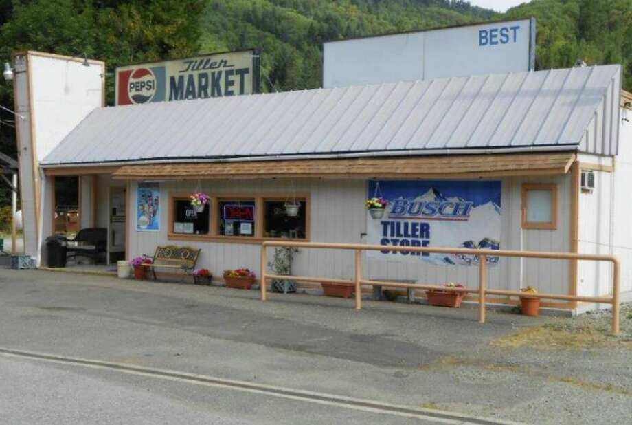A store that is part of the sale of Tiller, Oregon. Photo: Land Leader Properties