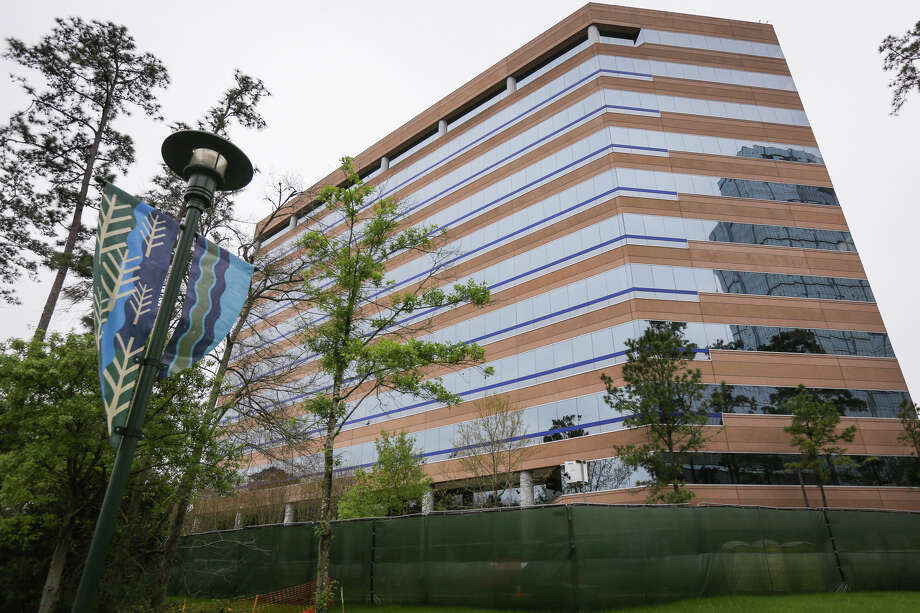 An 11-story building that functioned as an office building for Anadarko Petroleum Corp., off of Timberloch Place and The Woodlands Waterway, is pictured on Monday, March 13, 2017. The building is scheduled for implosion in about six weeks. Photo: Michael Minasi, Staff Photographer / © 2017 Houston Chronicle