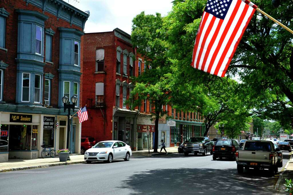 Johnstown, Gloversville corridor: downtown Gloversville New York