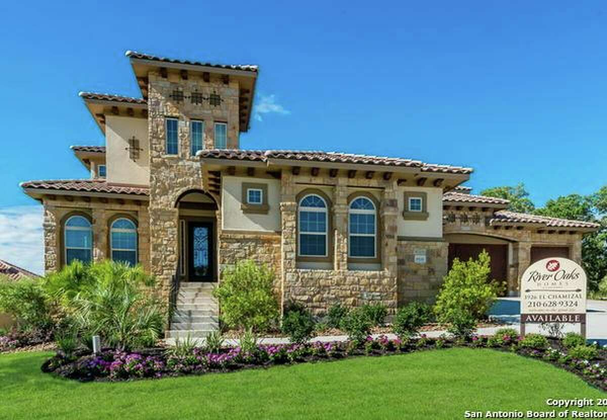 The Houston region ranks among housing markets with the most stable growth in the country. Keep going to see the most luxurious homes you can buy in Houston's top school districts.