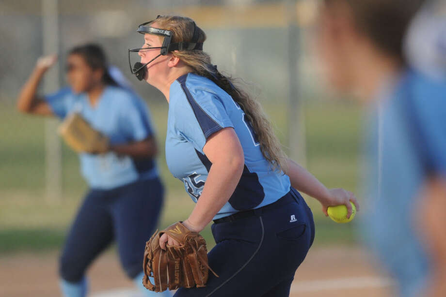 Greenwood's Kyndall Dove (25) against Brownfield on Thursday, Feb. 23, 2017, at Freddie Ezell Softball Complex.