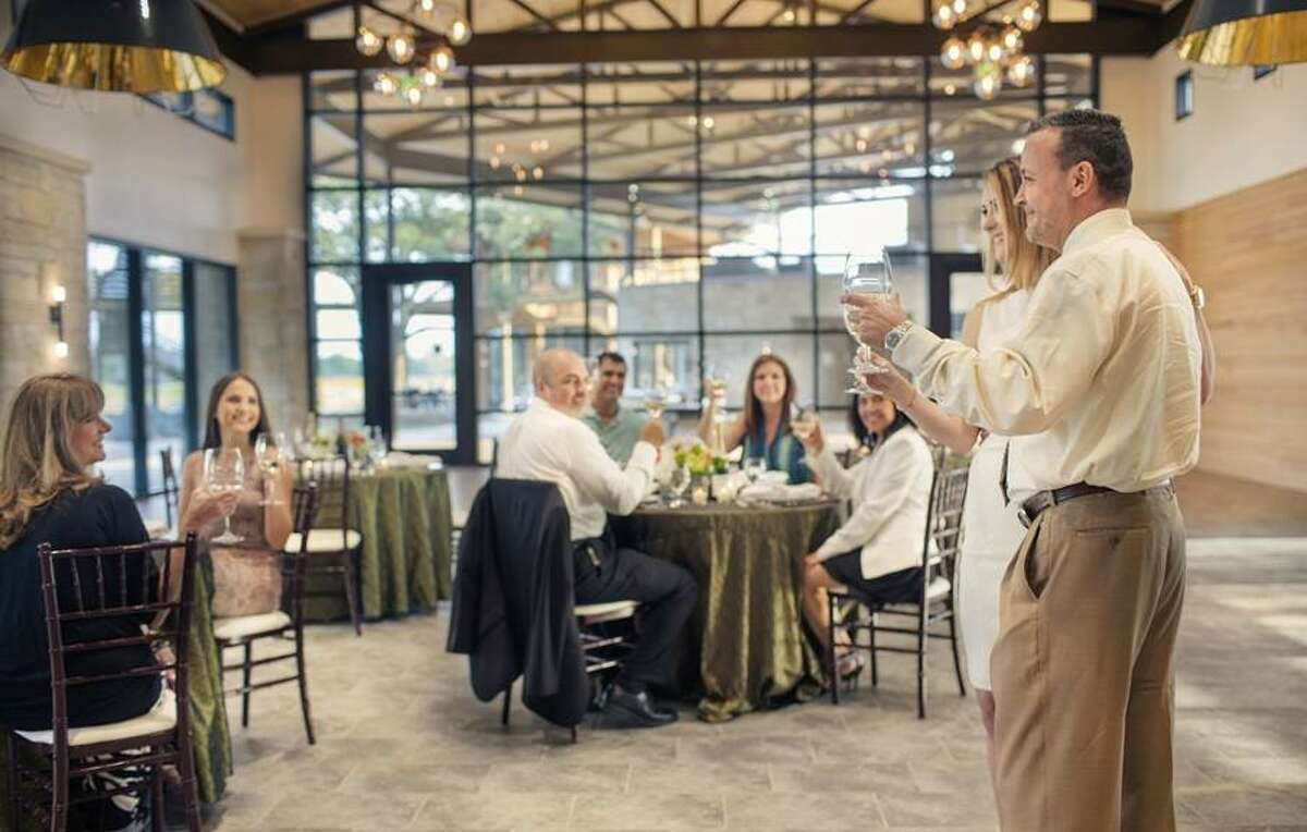 Cane Island's multi-purpose event center isserviced by a restaurant-quality commercial kitchen making it ideal for morning, afternoon or evening catered functions, receptions, meetings and networking events.