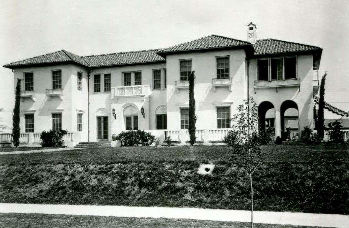 San Antonio architect Atlee B. Ayres designed this 1923 Monte Vista home at Linwood and Belknap for businessman David J. Straus.