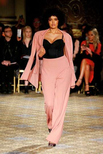 Fashion Designers Offering More Plus Size Options Houstonchronicle Com