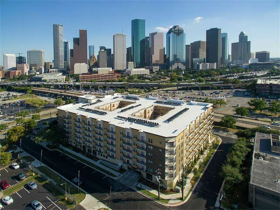 See how central Houston rents compare to leasing in the city's outskirts. Photo: Houston Association Of Realtors