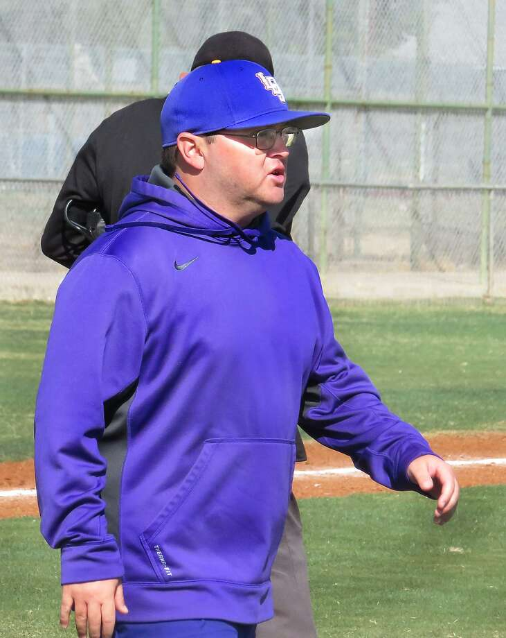 Carlos Mojica resigned after going 11-64-1 in three years as LBJ's baseball head coach. Photo: Cuate Santos /Laredo Morning Times File / Laredo Morning Times