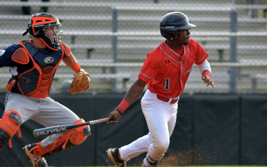 Atascocita junior outfielder Payton Harden and the Eagles are ranked No. 5 in the current Class 6A rankings. The Eagles are seeking to make their second state tournament in four years, but will have to contend with district rival Kingwood. Photo: Jerry Baker, Freelance / Freelance
