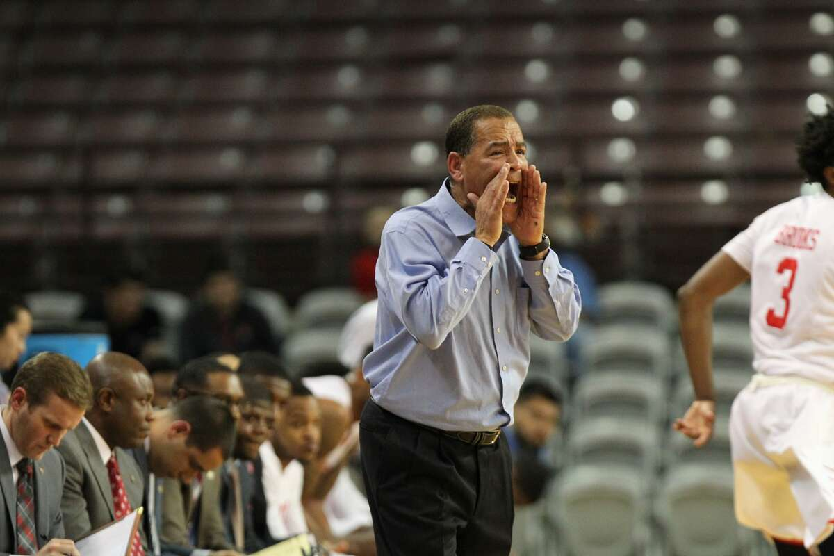 Houston's coach Kelvin Sampson yells to his team during second half action between Houston vs. Akron in NIT basketball tournament at TSU H&PE Arena Wednesday, March 15, 2017, in Houston. ( Steve Gonzales / Houston Chronicle )