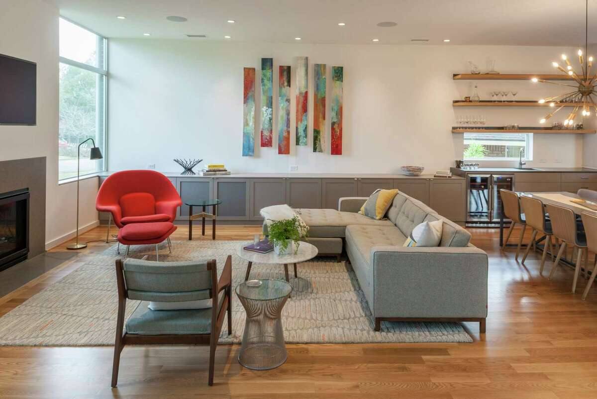 Linkwood Drive:The main living area spans from comfortable seating, a dining area and a bar/kitchen.