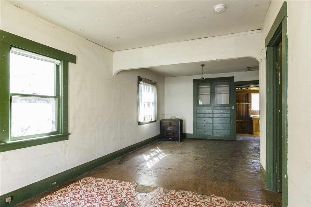 A teardown at 383 60th St., in the heart of Oakland's Rockridge neighborhood, hit the market for $495,000 in March 2017.