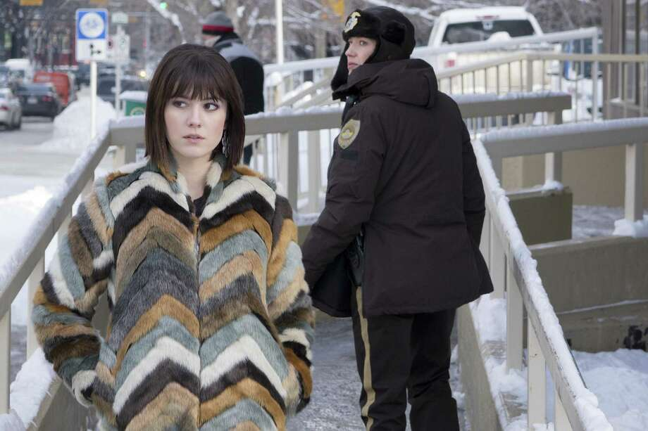 The two very different women of 'Fargo,' Season 3, on FX : Paroled con Nikki Swango (Mary Elizabeth Winstead), left, and small town police chief Gloria Burgle (Carrie Coon). Photo: Courtesy Of FX /FX / Copyright 2017, FX Networks. All Rights Reserved.