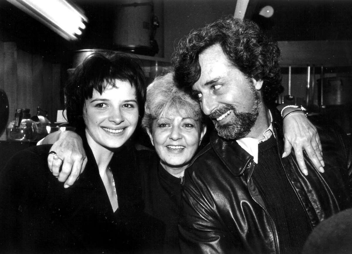 Actress Juliette Binoche, Tosca Caf� owner Jeanette Etheredge and director Philip Kaufman at the 30th San Francisco International Film Festival, 1987. Photo by Pamela Gentile